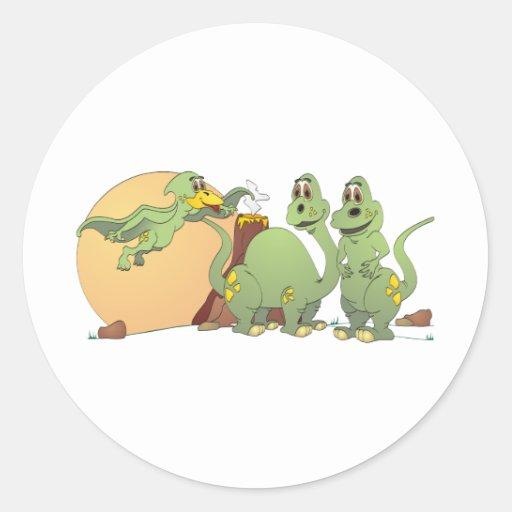 3 dinosaurios amistosos pegatina redonda