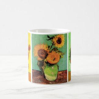 3 diversas pinturas del girasol de Van Gogh del vi Taza De Café