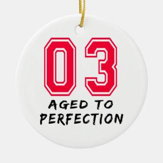 3 envejeció al diseño del cumpleaños de la perfecc ornamentos de navidad