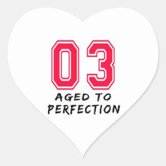3 envejeció al diseño del cumpleaños de la perfecc calcomanías corazones