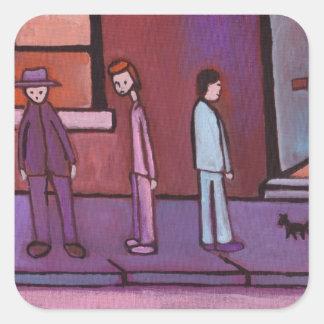 (3 hombres y pegatinas de un gato) pegatina cuadrada