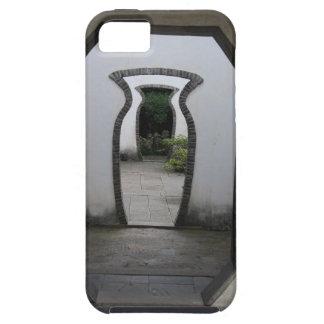 3 Jar Shaped Door Optical Illusion iPhone SE/5/5s Case