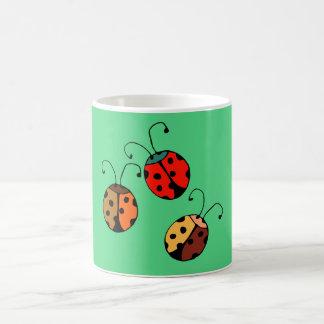 3 ladybugs mugs