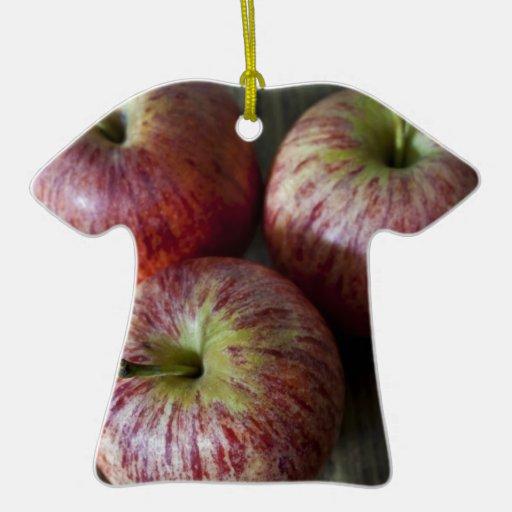 3 manzanas adorno de cerámica en forma de playera