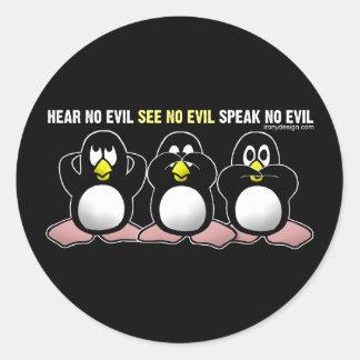 3 pingüinos sabios pegatina redonda