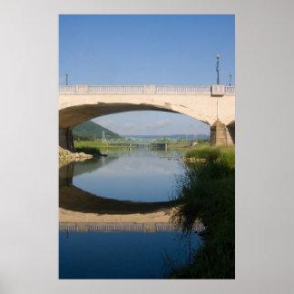 3 puentes póster