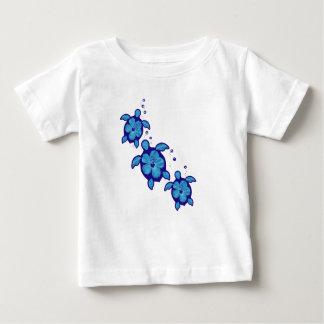 3 tortugas azules de Honu Playera De Bebé