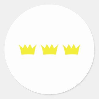 3 tres coronas del rey pegatina redonda