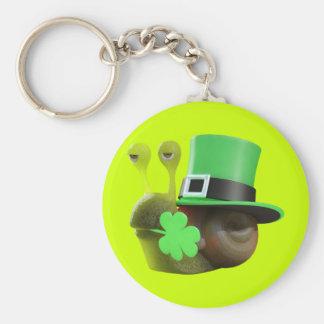 3d caracol del día del St Patricks (editable) Llavero Redondo Tipo Pin