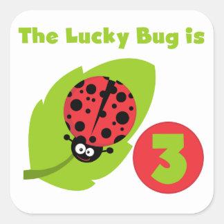 3ro camisetas y regalos del cumpleaños del insecto pegatina cuadrada
