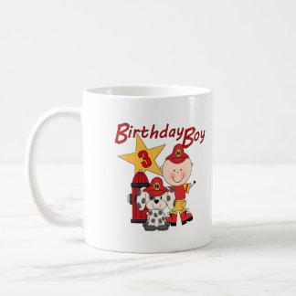 3ro cumpleaños del bombero del cumpleaños de los m taza básica blanca