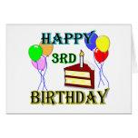 3ro cumpleaños feliz con la torta, los globos y la felicitacion