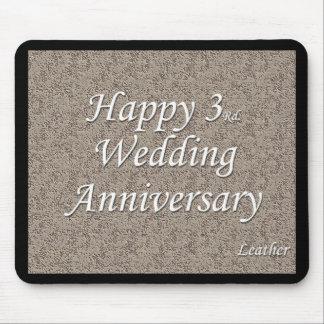 3ro feliz Aniversario de boda Tapetes De Raton