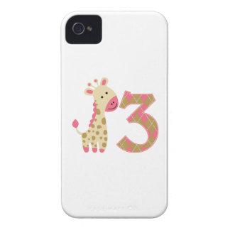 3ro Jirafa rosada del cumpleaños Case-Mate iPhone 4 Coberturas