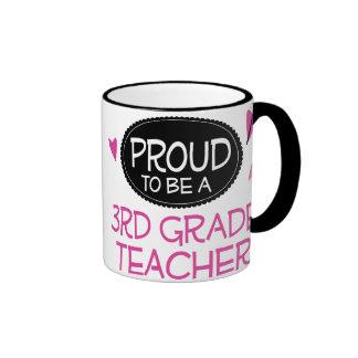 3ro profesor orgulloso del grado taza de dos colores