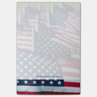 400 banderas que agitan orgulloso en un campo notas post-it®