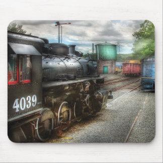 4039 - En la yarda del tren Alfombrillas De Ratón
