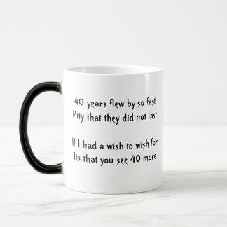 40.a taza severa feliz del cumpleaños