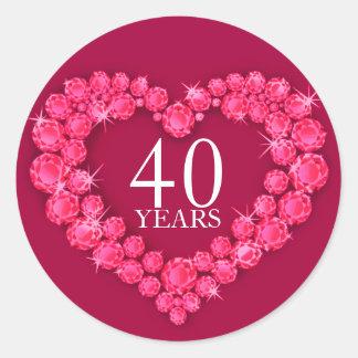 40 años pegatina rojo y blanco de corazón de rubíe