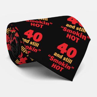 40 años y aún Smokin calientes Corbatas Personalizadas