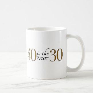 40 es los nuevos 30 taza básica blanca