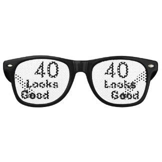 40 Looks Good © Funny 40th Birthday Gag Gift Wayfarer Sunglasses