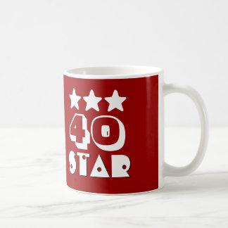 40.o Estrella del cumpleaños o CUALQUIE BLANCO Taza Clásica