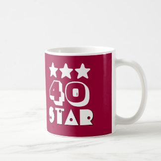 40.o Estrella del cumpleaños o CUALQUIE ROJO y Taza Clásica