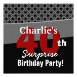 40.o Gris rojo blanco negro moderno del cumpleaños Comunicados Personalizados
