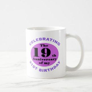 40.o Humor del cumpleaños Tazas