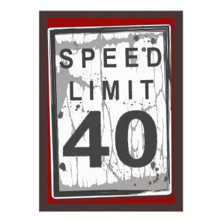 40 o Muestra sucia del límite de velocidad de la f Invitaciones Personalizada