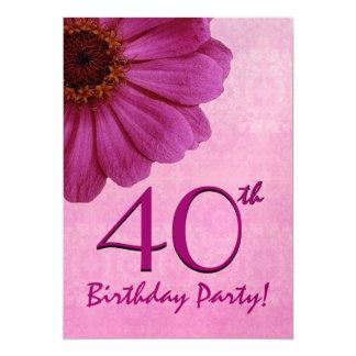 """40.o Plantilla del cumpleaños - margarita rosada Invitación 5"""" X 7"""""""