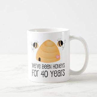 40 o Regalo de los pares del aniversario Tazas