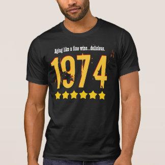 40 o Top del cumpleaños del mundo 1974 CUALQUIER Camisetas