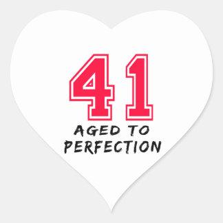 41 envejeció al diseño del cumpleaños de la colcomanias de corazon