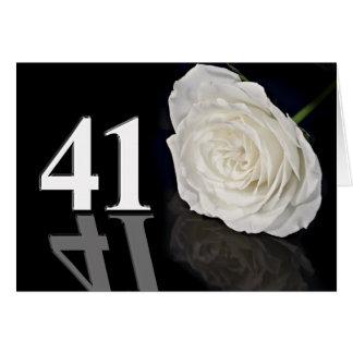 41.o Tarjeta de cumpleaños con un rosa blanco clás