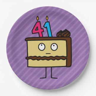 41.o Torta de cumpleaños con las velas Platos De Papel