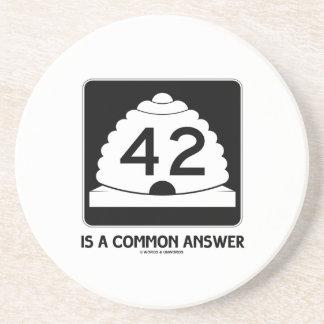 42 es una respuesta común (el humor de la muestra) posavasos diseño