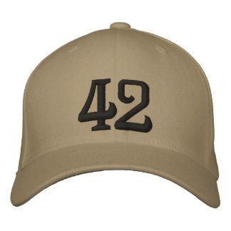 42 GORRA BORDADA