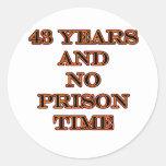 43 ninguna hora de prisión pegatinas redondas
