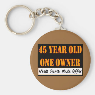45 años, un dueño - las piezas de las necesidades, llavero redondo tipo pin