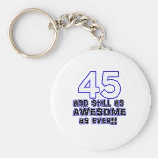 45.o diseño del cumpleaños llavero redondo tipo pin