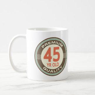 45.o Vintage divertido del cumpleaños 45 años Taza Clásica