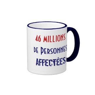 46 millones de Personnes Affectées Taza De Dos Colores