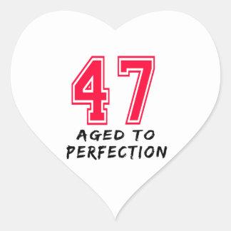 47 envejeció al diseño del cumpleaños de la pegatinas de corazon