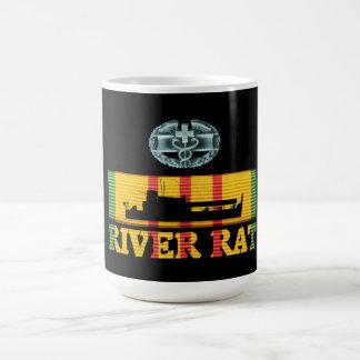 47.o Taza de la rata del río de la infantería CMB