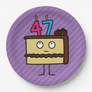 47.o Torta de cumpleaños con las velas Platos De Papel