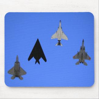49.o Formación del ala del combatiente Alfombrillas De Raton