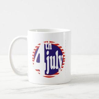 4 de julio celebración del cumpleaños taza
