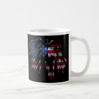 4 de julio fuegos artificiales y la bandera americ tazas de café